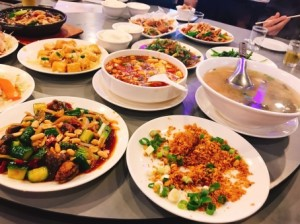 海外旅行先で食事をする時に気をつけたいこと