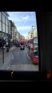 イギリスのロンドンにある街の両替所でのトラブル