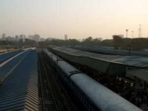 インド、ニューデリー駅前のバザールにある両替所ではめられた!