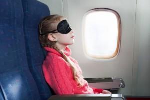 海外旅行の飛行機で安眠するための3ステップ