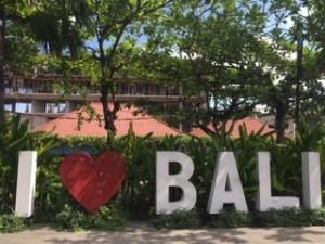 日本人に人気の旅行先、バリ島で頻発している換金詐欺の手口